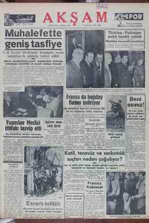 paktı tasdik edildi | Mecliste hararetli tezahürat ı n L 'W Ankuru 12 (Akşam) — Türkiye Ne Pakistarı arasında dos- L İşbirliği - antlaşmasının tasdikine dair kanur daşihası : j dün Mecliste müzakere ve kabal edilmiştir. KERERMELS S LNANTSRTESSI GA TTTT SAA GKS AT ü ADevamı 2 ci sahitede) C. H. Partisi Meclisinde Inönünün seçim nutukları da şiddetle tenkid edildi Şahsi menfaatlerin parti menfaatleri üstünde tutulduğu belirtildi ve asaslı tasfiye istendi Ankara 12 (Akşam) — CEP.| —Hemen hemen bütün delece- inen ioraalının inkârı politikası-, e n evvel ler, Genel İdare - Kurulunun ni tenkidetmiş ve Yeni Ulus neş geklini riyatının imlerde —aksl tesir remiştir. anadığı İleri sürülmüştür. — — İnim halk tarafından benimse-| — (Devamı 2 nei sahifedey
